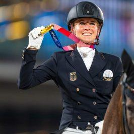 Jessica von Bredow-Werndl - Olympisches Kür Gold 2021